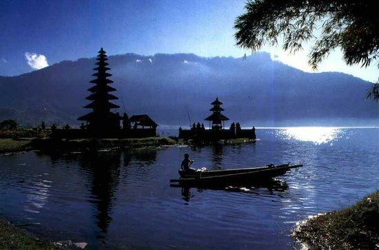 Van Bali Driver - Private Tours: Pura Ulun Danu Beratan