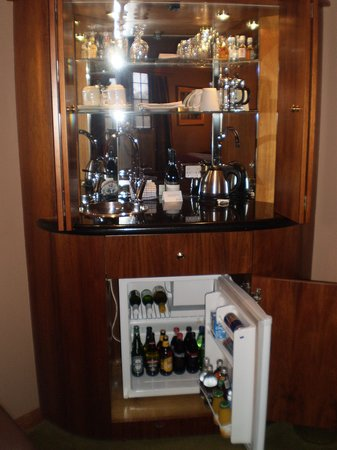Country Club Tasmania: mini bar