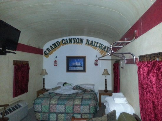 Canyon Motel & RV Park: Caboose room