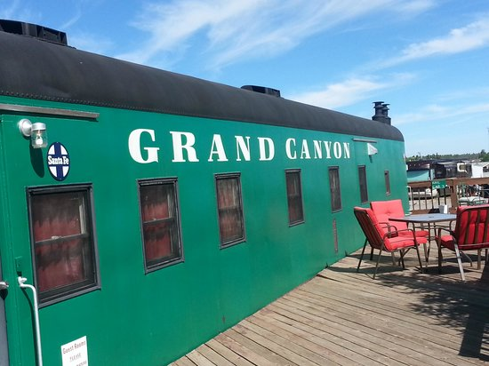 Canyon Motel & RV Park: Outside of the Caboose