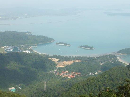 Gunung Mat Cincang: View of Andaman sea