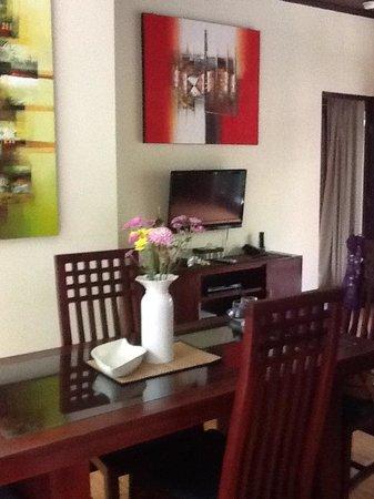 Rumah Santai Villas: Dine in with takeways from Bella Vista or La Monde