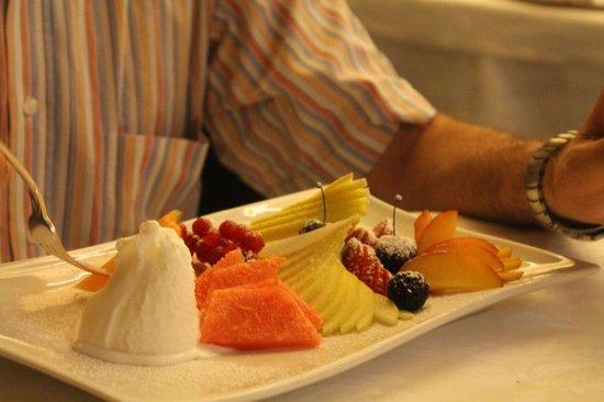 Covetto Osteria in Corte: il mosaico di frutta con sorbetto