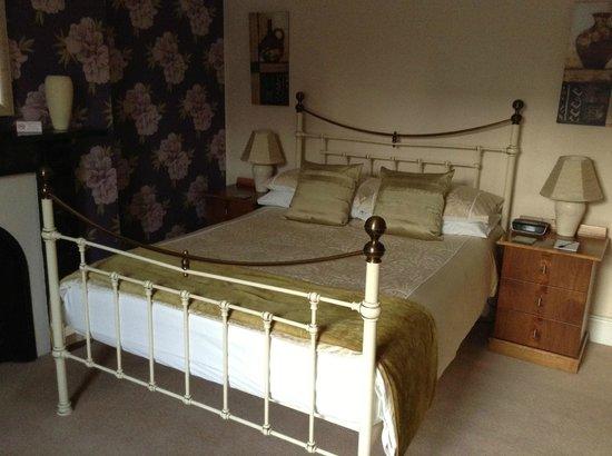 Highgate House: Bedroom