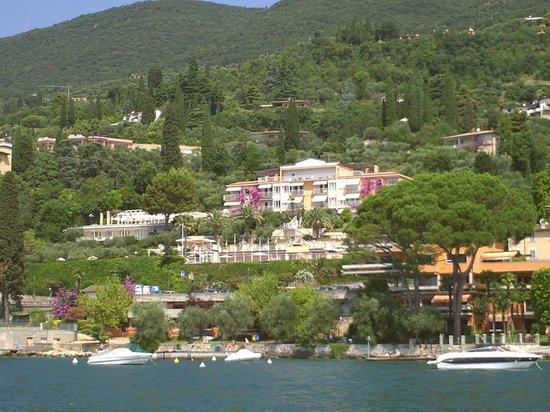 Hotel Villa Florida : zicht vanop het meer