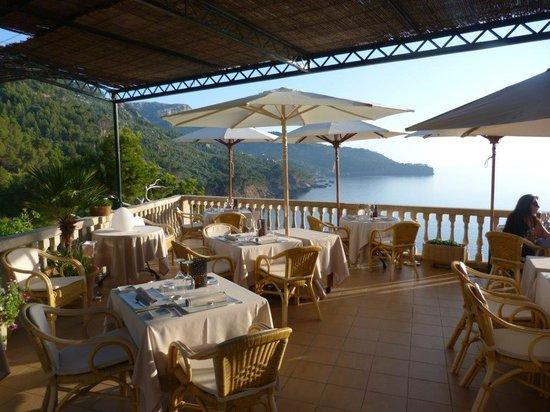Béns d'Avall Restaurant: Terrasse