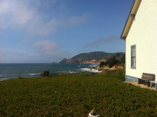 HI-Point Montara Lighthouse: The cottage