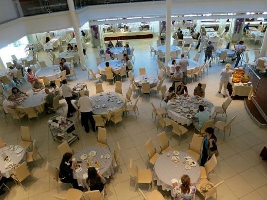 Moscow Hotel: breakfast buffet