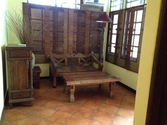 Bali Segara Hotel: woonkamertje family room