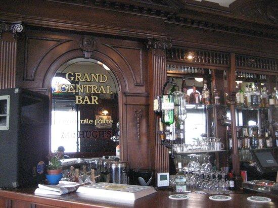 Grand Central Bar: Beautiful old bar