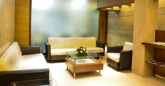 Hotel Rama Krishna: Lobby Sitting Area