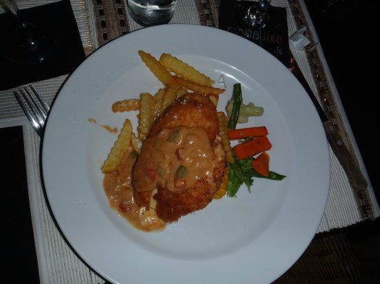 Mona Lisa Cafe : Chicken kiev