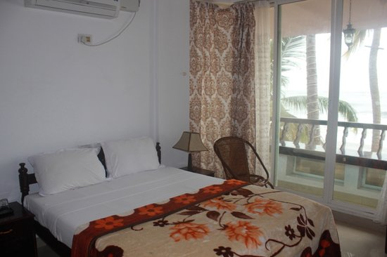 Palm Beach Resort: Sea View Room