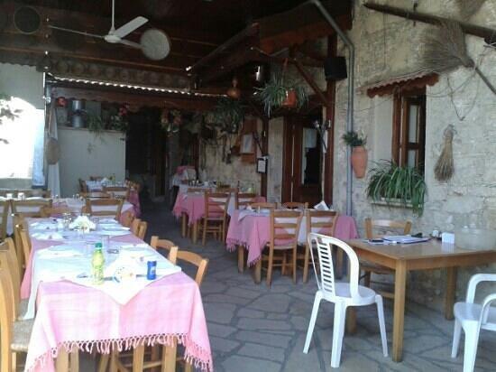 Vouni, Cyprus: Tavern