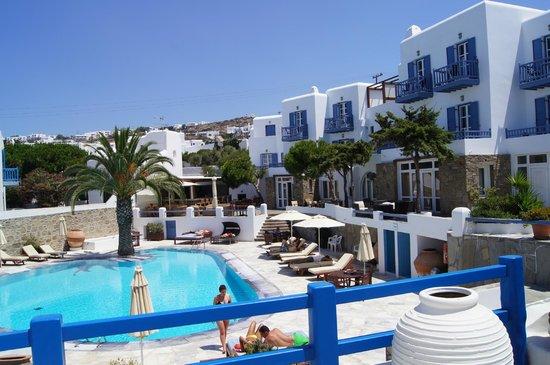 Poseidon Hotel - Suites: piscine