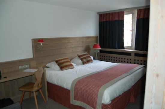 Arcadien Hotel & Spa: chambre joliment décorée