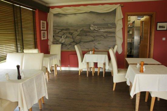 Cullinan's Seafood Restaurant: Salle accueillante.