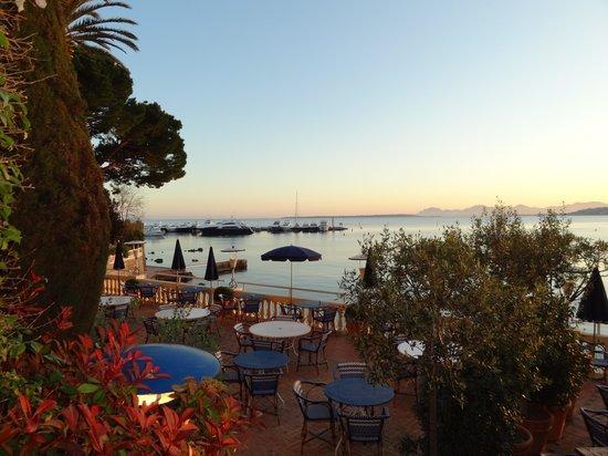 Hotel Belles Rives : Sicht vom Hotel