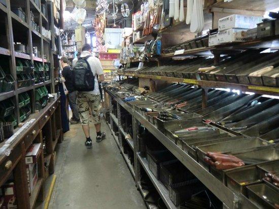 E. Dehillerin: interno negozio