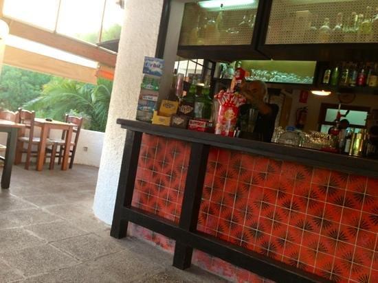 Cala Mandia Restaurant : bancone interno