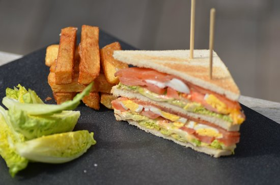 Restaurant l'Océan : Club Sandwich au saumon fumé