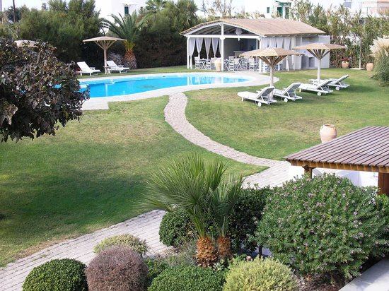 Ammos Naxos Exclusive Apartments: Ammos - pool and poolbar