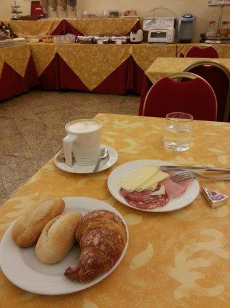 Hotel Terminal: la colazione essenziale ma il personale molto gentile