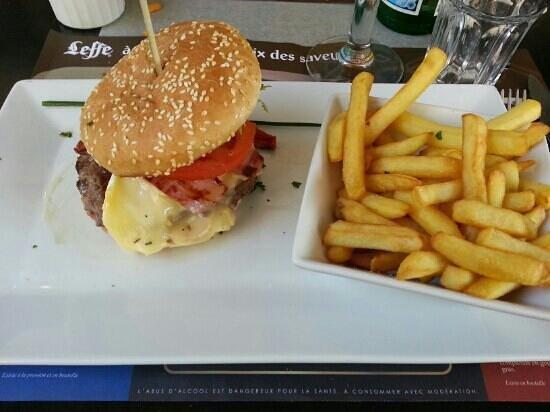 L'Arbre a palabres : burger savoyard