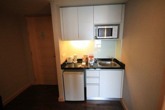 Sukhumvit 12 Bangkok Hotel & Suites: Küche 1104