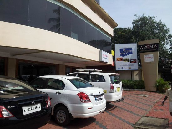 Aroma Classic Days: Car Parking at Hotel Front