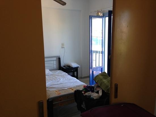 أرجو هوتل باروس: 2 connection rooms( you heard everything )