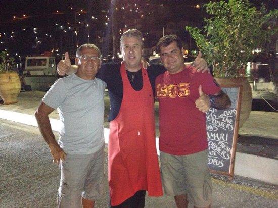 Manos' Fish Restaurant: mekanın sahibi