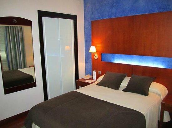 Hotel America Vigo: Habitación