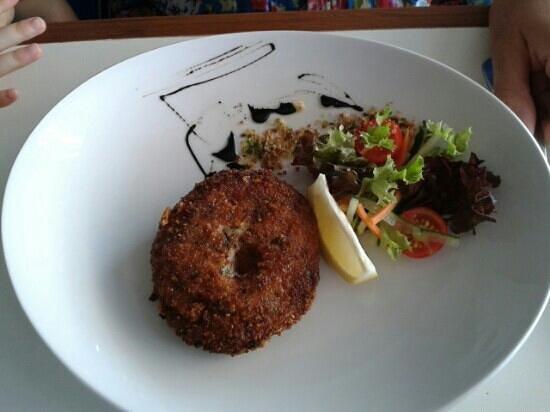 Paulus Restaurant: fish cake local