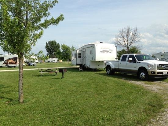 Erie Islands Resort Marina: RV sites are very spacious.