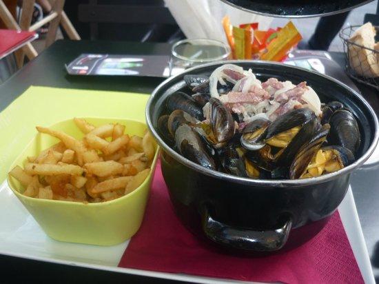 Brasserie des Dames : moules charantaise