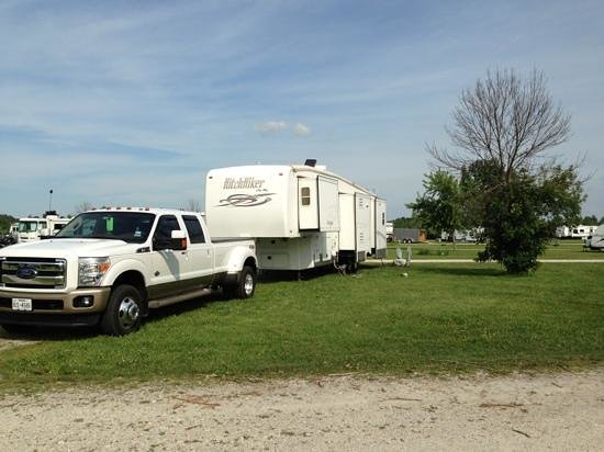 Erie Islands Resort Marina : RV sites are very spacious.