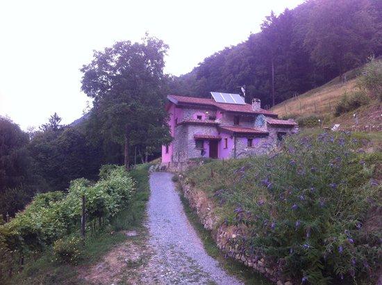 Una delle casette dell'agriturismo Al-Marnich.
