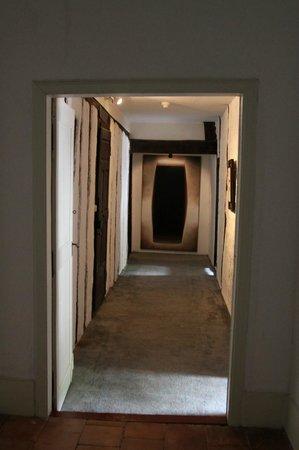Chateau d'Aiguefonde : Zugang zur Turmsuite - renovationsbedürftig