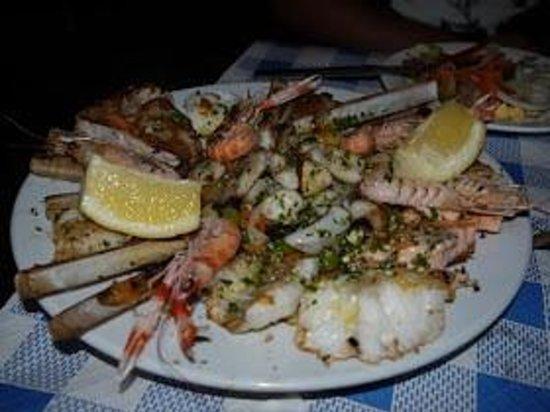 Lute y Jesus: Grilled seafood platter