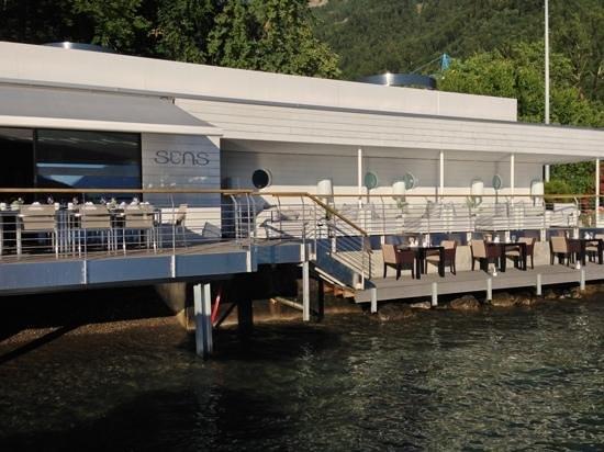 Hotel Vitznauerhof: Sens Gourmetrestaurant und Beach Lounge