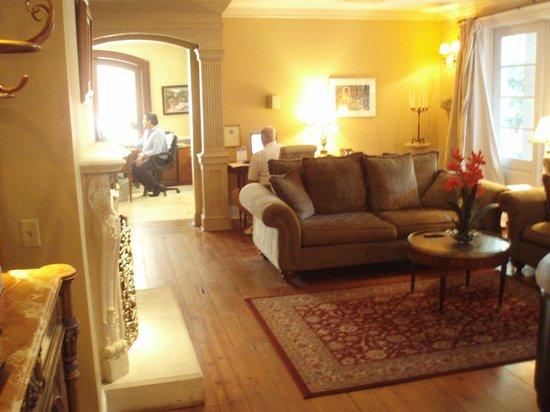 Main Street Inn & Spa: Parlour Salon