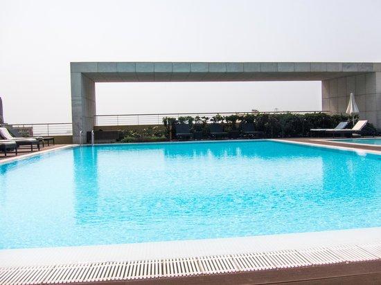 EPIC SANA Luanda Hotel: pool
