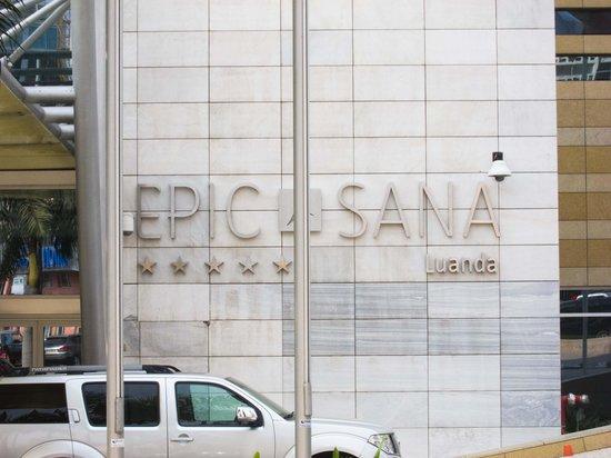 EPIC SANA Luanda Hotel: front door