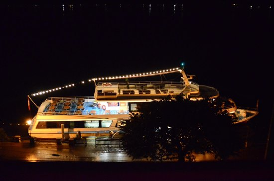 Hotel Seehof: night cruise.