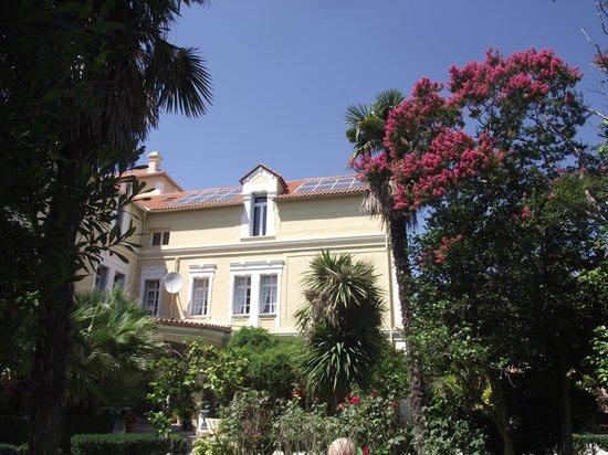 Chateau La Tour Apollinaire