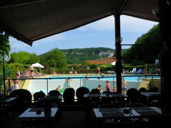 Hotel Restaurant La Riviere : Pool from the terrace