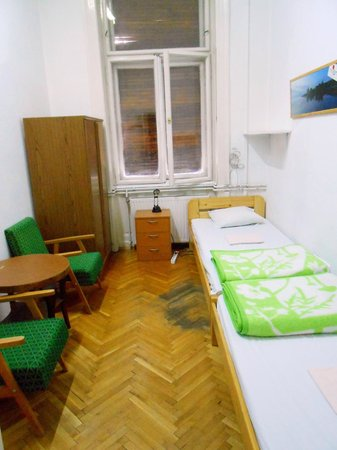 HBC Hostel: Twin private room with shared bathroom