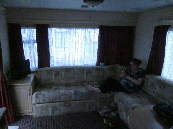 Golden Palm Resort: living rooms