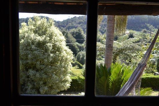 Casa de Campo do Pomar: da janela para exterior